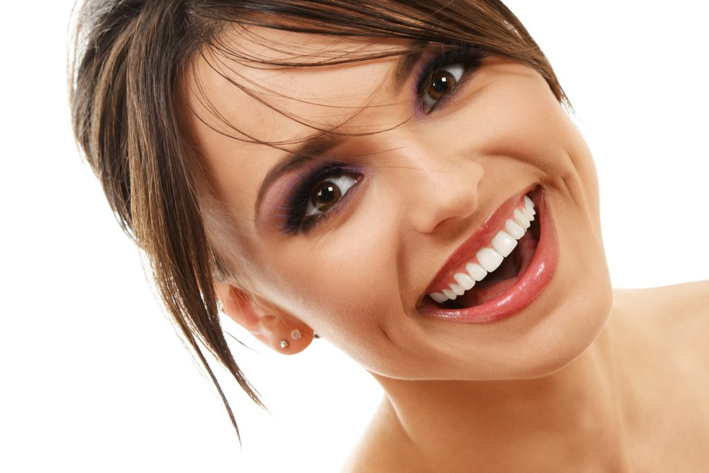 attractive woman smiling brown hair